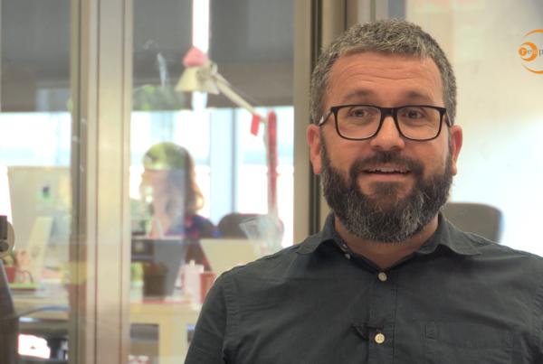 Xevi Montoya, director de Playbrand, parlant pel vídeo dels Premis a la Responsabilitat social de Catalunya